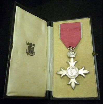 Member Of The Order Of The British Empire Mbe 2Nd Type (Civil) Medal In Case