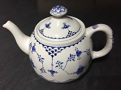 Masons Blue Denmark Large Teapot - 2 pint capacity - immaculate condition