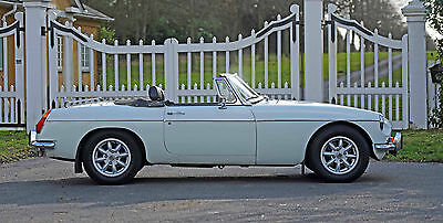 1971 MG MGB Roadster restored on Heritage shell, excellent condition