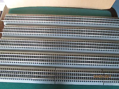 "Lionel 'O' Gauge ""Track X 5 Straight Pieces = 12 1/2 ft. (380m)"