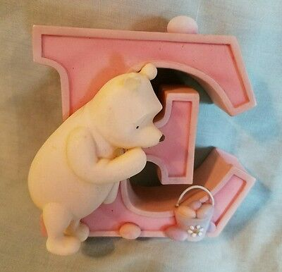 Collectible Disney Michel Classic Pooh Winnie The Pooh Letter E Pooh Egg