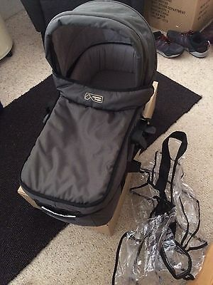 MOUNTAIN BUGGY SWIFT BASSINET CARRY COT with RAIN COVER