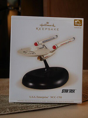 2006 Hallmark USS Enterprise NCC-1701 Star Trek Magic Sound Light New in Box!