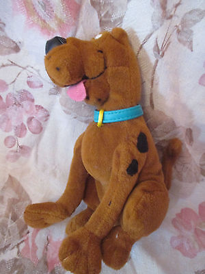 """Plush 6"""" Scooby-Doo Change Purse With Keyring From Applause"""