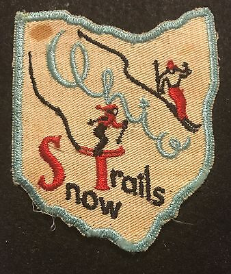 SNOW TRAILS Vintage Skiing Ski Patch Mansfield OHIO OH Souvenir Travel Hiking