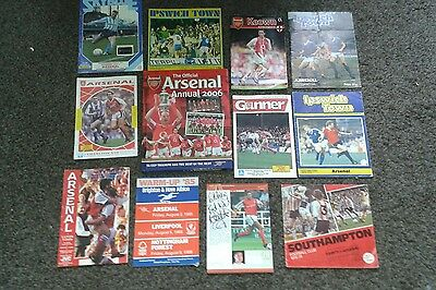 Arsenal programmes x 10. Arsenal annual 2006. & Matthew Upson signed photo.