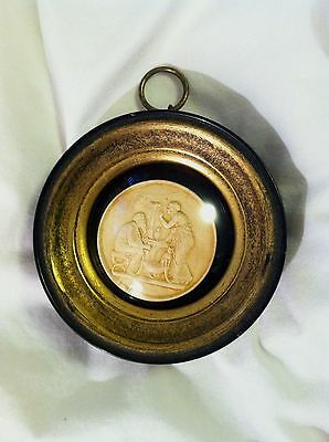 Medallion Cameo Neo Classical Greek Roman Look Wall Hanging Art Round Dome Frame
