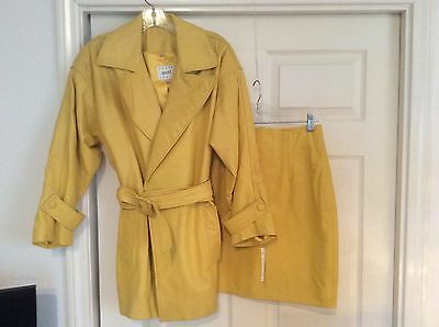 VINTAGE 1990s VAKKO LEATHER JACKET WITH BELT & PENCIL SKIRT YELLOW Size Small
