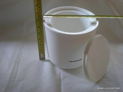 Coldmaster cold crock w/ coaster 2 quart Carlisle CM1030-02 white CM103002