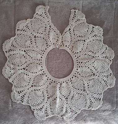 Vintage Hand Crocheted Lace Collar ~ Off White ~ Excellent Condition