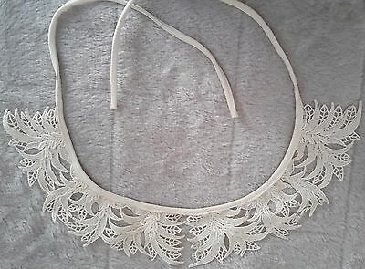 Vintage Cotton Lace Collar ~Tan ~ Excellent Condition