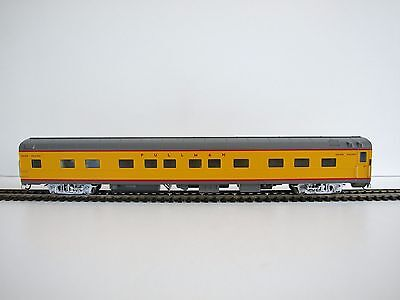 Walthers RTR HO Union Pacific City Streamliner, 5-2-2 Sleeper