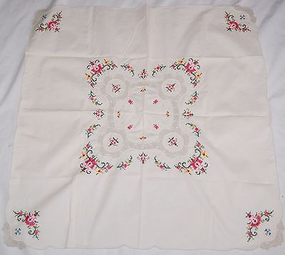 Vintage Needlepoint Embroidered Tablecloth Square 30x30 Off White Floral Lace