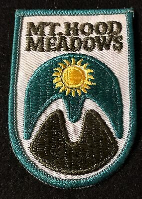 MOUNT MT HOOD MEADOWS Vintage Skiing Ski Patch OREGON OR Resort Travel Souvenir