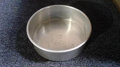 """Industrial/Commercial Round Aluminum Cake Pan 8"""" x 3""""."""