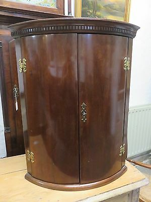 Lovely Georgian Mahogany Antique Corner Cupboard Shelved Wall Cabinet