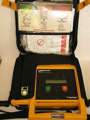 Physio-Control Lifepak 500 with case, battery & 2 Defibrillator electrode pads