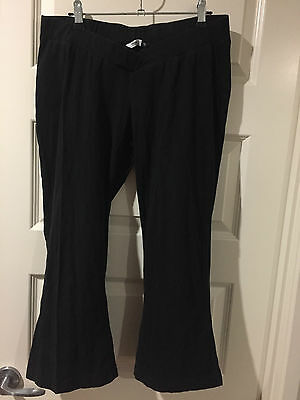 *.*  Black 3/4 Length Maternity Pants - Size 12 - Good Condition *.*