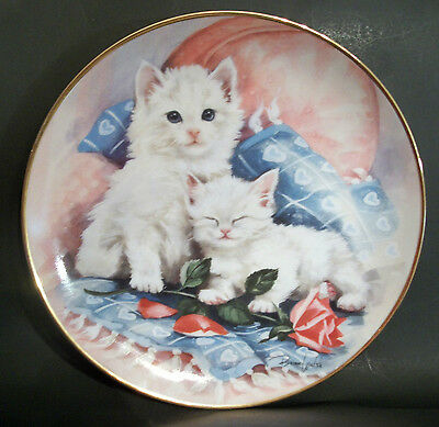 "Franklin Mint Display Plate Perfectly Precious Brian Walsh White Kittens 8""  #03"