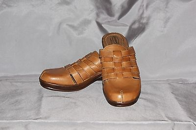 Dr Scholls Womens Size 11 Woven Leather Clogs