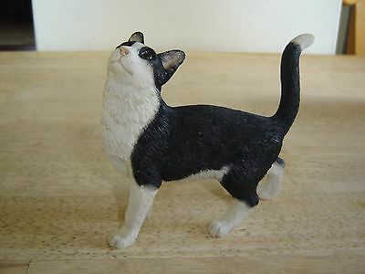 Black and White Cat Figurine Country Artists with tag