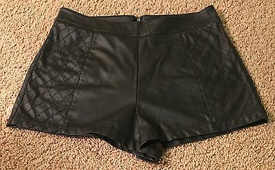 Forever 21 Women's Black Faux Leather Dress Shorts Size Medium M with Back Zip
