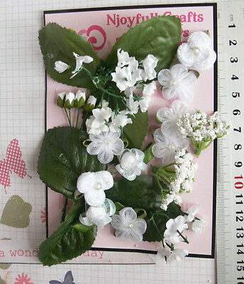 WHITE & GREEN LEAVES 18 Flowers & 6 Green Leave 7 Style PAPER & FABRIC 5-23mmHH5
