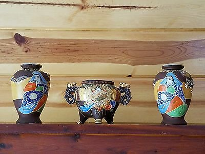 Beautiful Japanese Satsuma Signed Hand Painted Porcelain Samurai 2 Vases Moriage