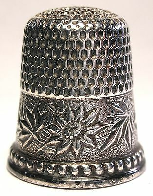 Ketcham & McDougall (KMD) Sterling Damask Flowered Thimble w/ Daisy  c.1890s