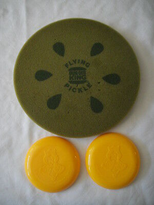 """1970's VINTAGE GREEN BURGER KING 9"""" FLYING PICKLE & 2 plastic yellow FRISBEES"""