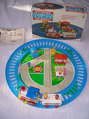 Vtg Arco Preschool Happy Valley Railroad - #2706 1984 - Complete 15 pieces