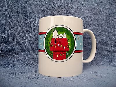 Galerie Peanuts mug Christmas with Snoopy and Woodstock VGUC