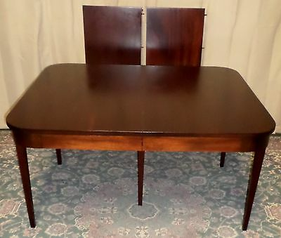 BIGGS MAHOGANY DINING TABLE With Two Leaves VINTAGE