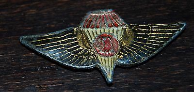 IRAQ. Iraqi Army Airborne Jump Special Forces Beret Pin Badge .