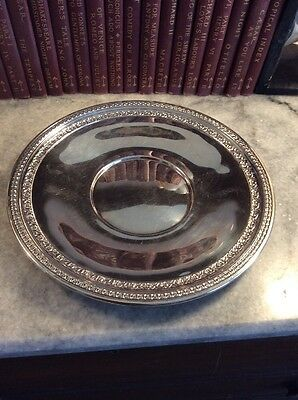 Reed & Barton Silverplate Floral Decorative Round Antique Vintage Tray #1203