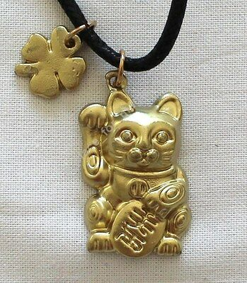NEW Maneki Neko Japanese Chinese Money Cat Amulet Pendant