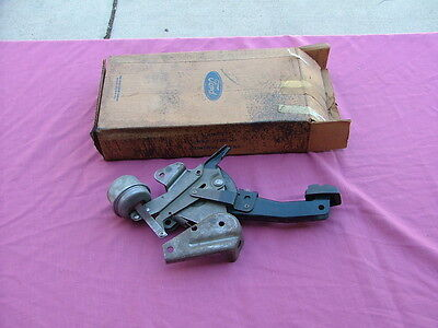 1965-66 Ford Thunderbird vacuum assisted emergency brake assembly, NOS! parking