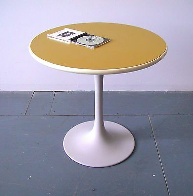 VTG Tulip Side/ kid's Table, Burke (?) , Saarinen style, white /yellow