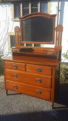 A Beautiful Antique Arts & Crafts Mahogany Dressing Table/Chest with Mirror