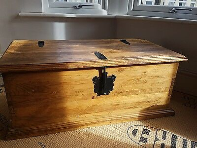 antique blanket box's