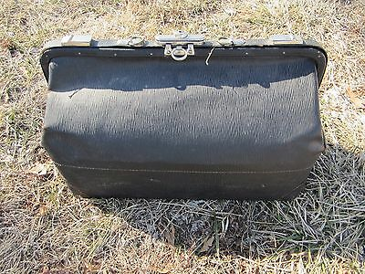 L55 Vintage/antique Large Rustic Black Leather Medical Dr. Doctor Bag