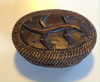 Native American Indian Carved Lizard Carved Wood Tight Weave Basket Tribal