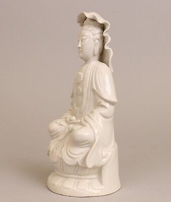 Wonderfull Antique Chinese White glased Blanc de Chine statue of Guanyin ca 1900