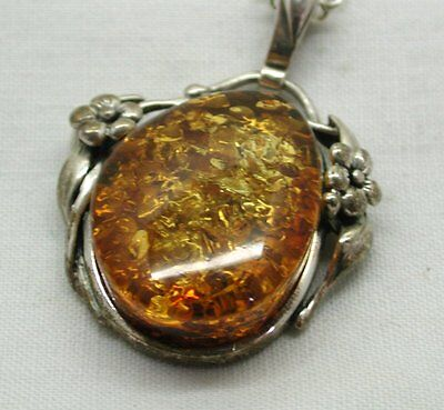 Vintage Lovely Silver & Millions Of Years Old Fossilized Amber Pendant & Chain