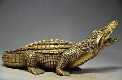Ingenious Chinese Old Brass handmade Statues -- Crocodile w