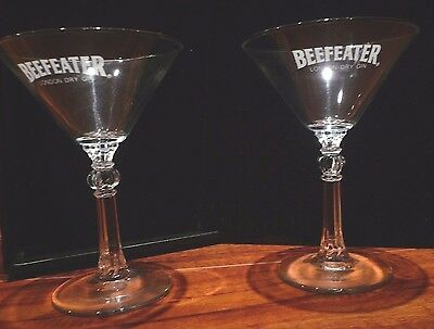 """2 Beefeaters London Dry Gin Martini 6"""" Glasses - Ribbed Stem w/Ball - Excellent"""