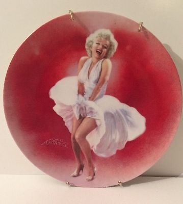 """Delphi Numbered Marilyn Monroe In """"The Seven Year Itch"""" 1990 Collectors Plate"""