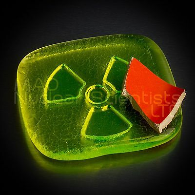 Geiger Counter Check Source – Uranium Glass & Uranium Glaze Pottery (M05)