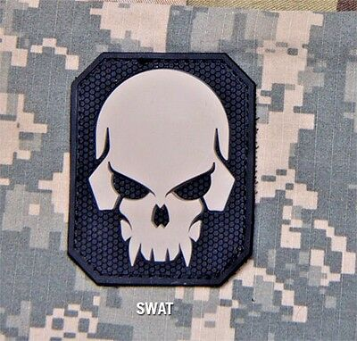 Mil-Spec Monkey Large PIRATE SKULL PVC SWAT Military Army Morale Patch