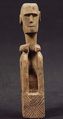 Old figure of seated ancestor - West Timor - tribal artifact